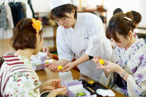 Traditional confectionery thriving in Japan